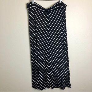 Liz Claiborne   Chevron Maxi Skirt XXL Petite